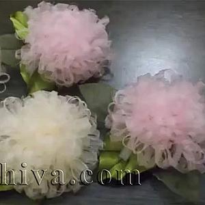 Как се прави цвете от органзена панделка