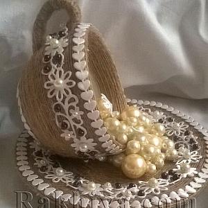 Как се прави декорация за дома – чаша с водопад от перли или цветя