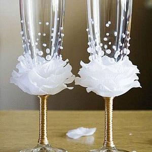 Как се прави декорация на сватбени чаши с цвете от хартия