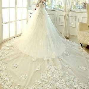 Идеи за сватбени рокли и сватбена декорация от тюл, сатен и органза