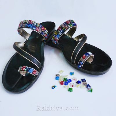От нищо нещо - идея за декорация на летни обувки с мъниста