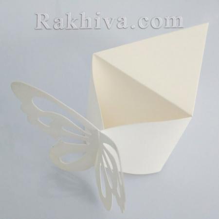 Кутийка парче от торта, екрю парченце 1 бр. , 10,5x6x6,5 см