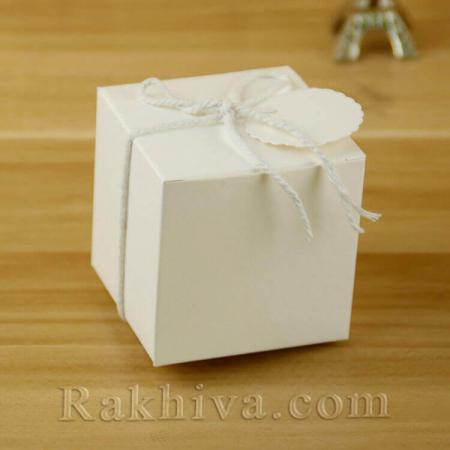Кутийка бяла с етикет, бяла 1 бр., 50x50x50 мм