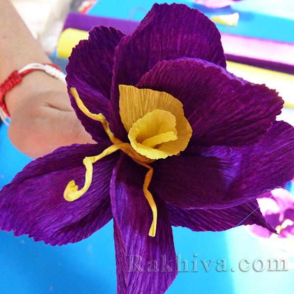 Как се прави цвете от креп хартия-13