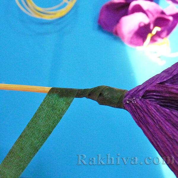 Как се прави цвете от креп хартия-14