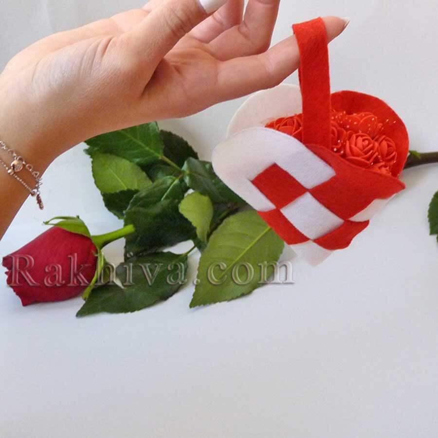 Как се прави валентинка сърце от филц или фоам